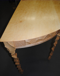 Lune Table Detail
